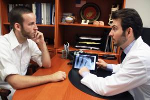 LA Periodontists Speaks to New Gum Disease Patient