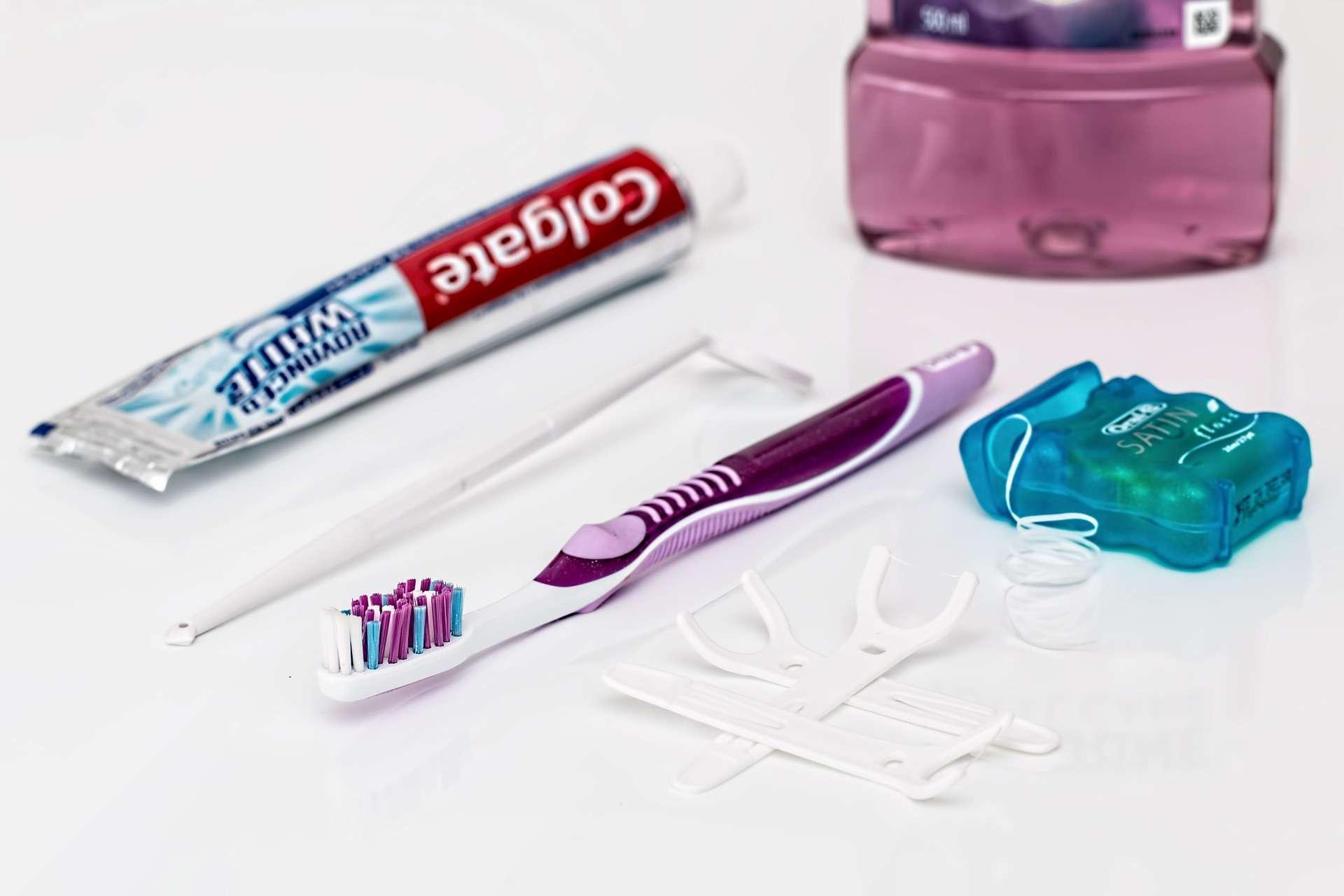 Flossing 101: The Key to Healthy Teeth